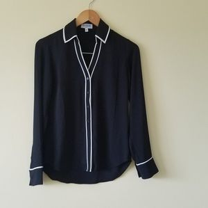 Express black and white trim Portfolio Shirt sz xs